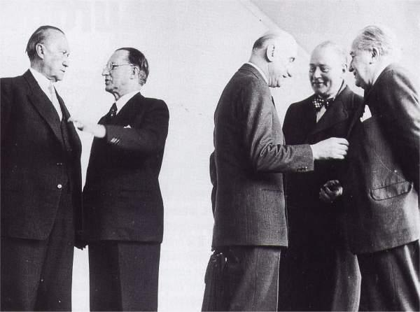 photo de Robert SCHUMAN : Avec Adenauer, Gasperi